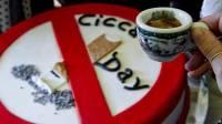 cicca-day-a-napoli-il-bar-offre-caffe