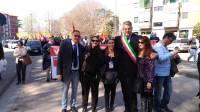 foto-ponticelli-il-sindaco-gay-guida-il-corteo-anticamorra