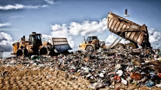 i-rifiuti-si-grazie-portateli-da-noi-e-guerra-tra-paesi