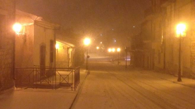 nevica nella valle del cervaro primi problemi a greci