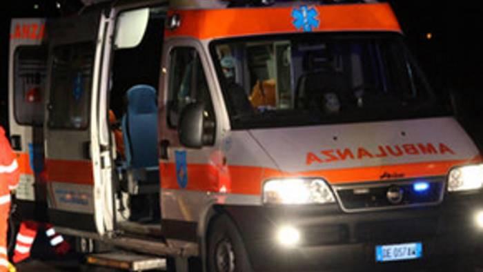 Colta da infarto 44enne muore in attesa dell'ambulanza