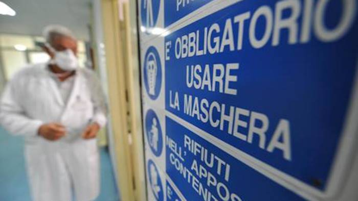 allarme meningite in campania due casi a caserta