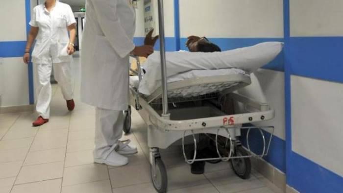 ospedale pozzuoli d amore nessuna emergenza barelle