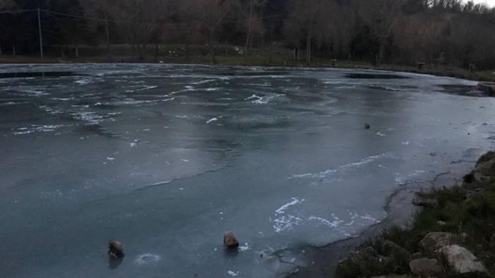 freddo polare ghiaccia il lago iliade a greci in irpinia
