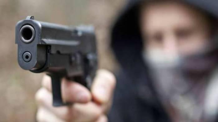 schiaffi-pistola-alla-testa-e-baratto-rapinati-2-giovani
