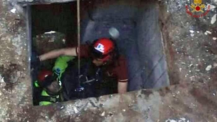 Portici, 12enne finisce in un pozzo. Salvato dai vigili del fuoco