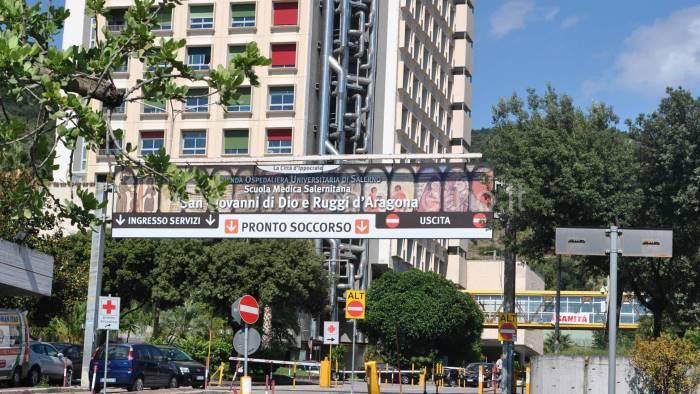 Salerno, orrore all'ospedale Ruggi: trovato un piede amputato tra le lenzuola