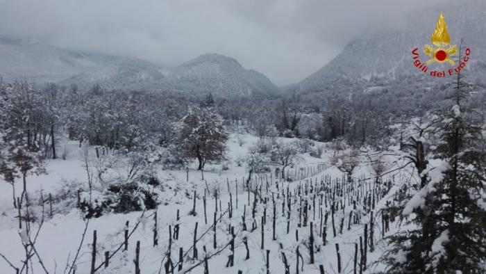 bagnoli neve anziana isolata e malata arrivano i soccorsi