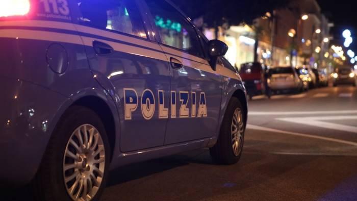 Ragazzi sparano in aria, ferito 12enne a Napoli