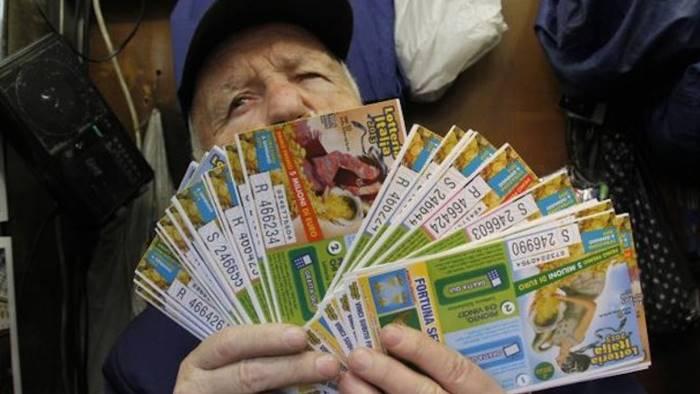 lotteria italia i biglietti vincenti campania ecco i fortunati