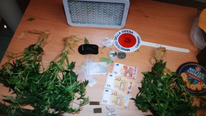 scoperto a vendere droga arrestato 38enne