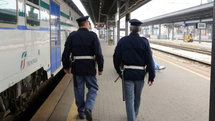 evade dal carcere di poggioreale beccato in stazione