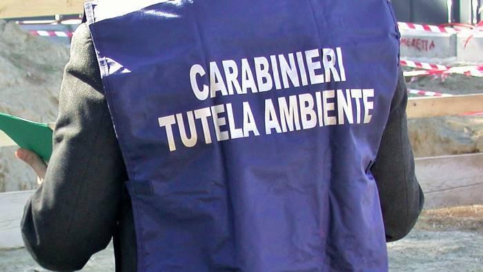 blitz dei carabinieri del noe in un centro raccolta rifiuti