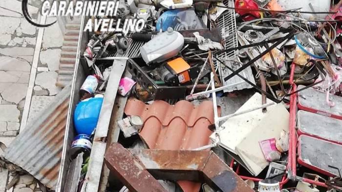 raccolta e trasporto di rottami ferrosi illecito denunciato