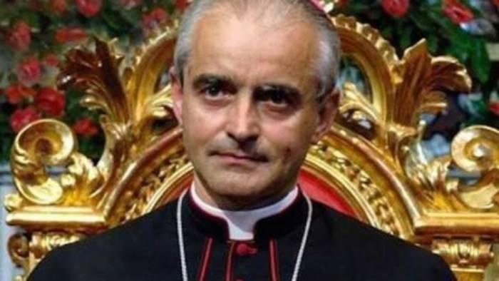 il vescovo arturo aiello scrive a tutti i giornalisti