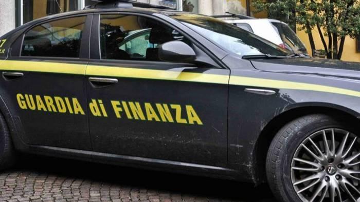 maxi sequestro della finanza 29 immobili per 1 3milioni di eu