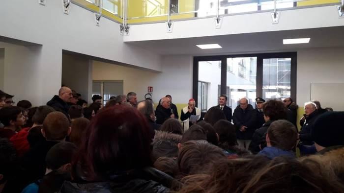 ariano cerimonia di consegna di una nuova scuola
