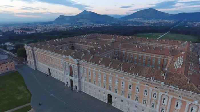 reggia parte restauro da 40 milioni di euro