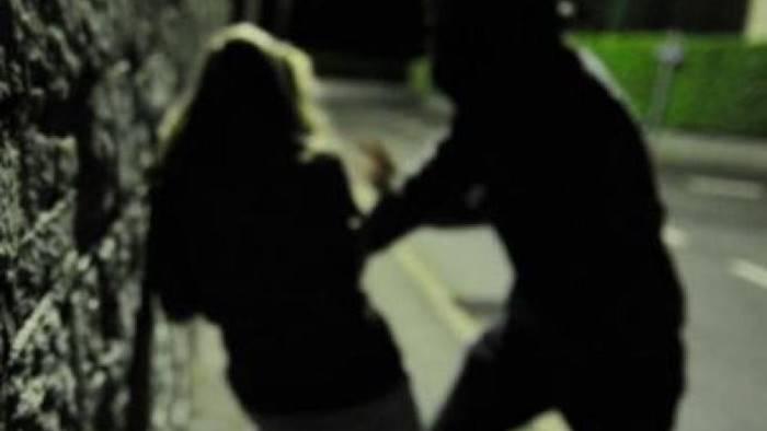 vecchio boss seduce e poi perseguita una donna arrestato