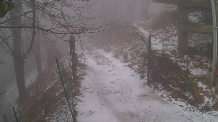 neve in irpinia risveglio imbiancato su raiamagra e partenio
