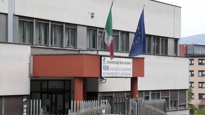 unisannio confronto tra studenti italiani e americani