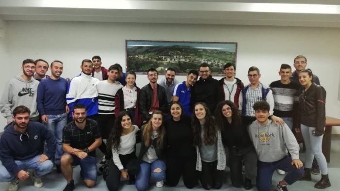 giovani in comune finanziamento al forum dei giovani di apice