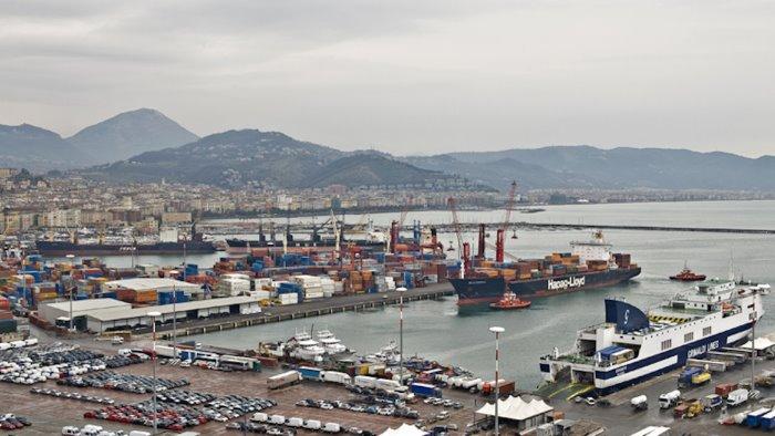 porto di salerno trovati 26 clandestini a bordo di una nave