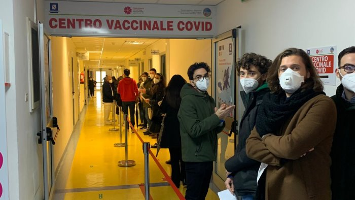 vaccini anche agli studenti dell universita di salerno