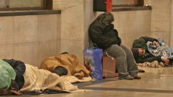 salerno freddo e gelo muore senzatetto 40enne