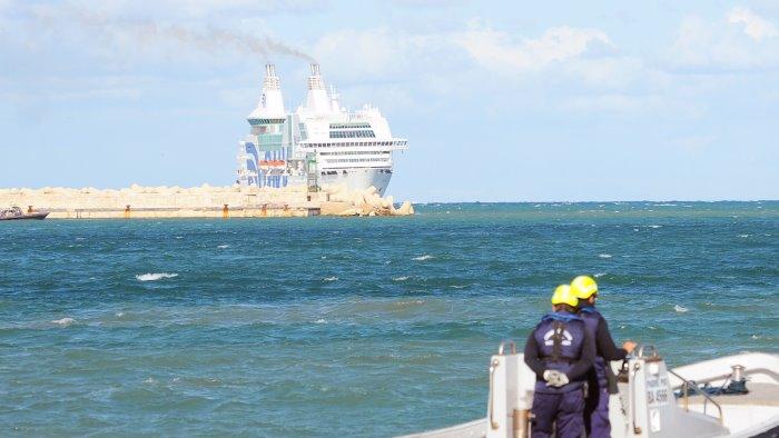 immigrazione sos mediterranee 268 persone salvate in 24 ore