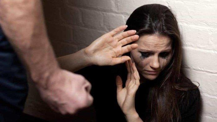 violentano e filmano ragazza con problemi cognitivi 3 arresti