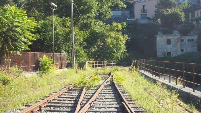 ferrovia sicignano lagonegro battaglia sulla riapertura