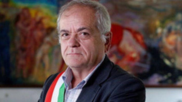 intimidazioni al sindaco di pomigliano solidarieta da natale