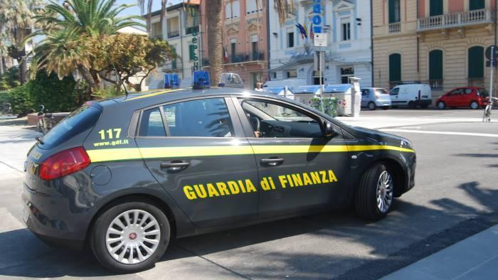Sequestrati conti correnti, autovetture e immobili: nei guai commerciante evasore di Brusciano