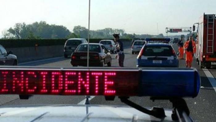 Incidente su A3 nei pressi di Cosenza, un morto e un ferito