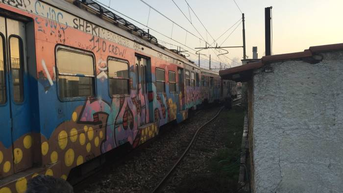 Napoli, treno deraglia vicino Pozzuoli