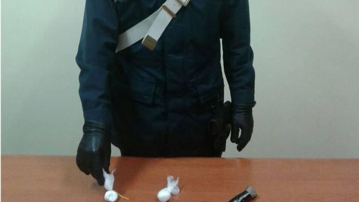 Cremona, rubavano armi e droga: arrestati dipendenti del Tribunale