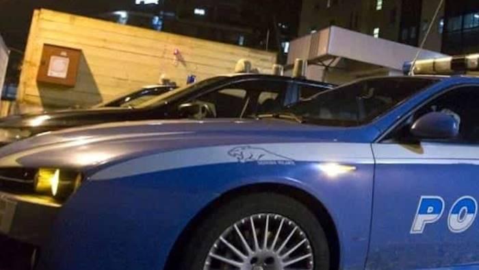 Napoli, sparatoria in strada: colpito boss