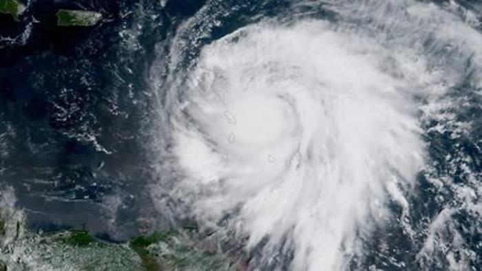 Uragano Ophelia ultime news: la tempesta è diretta in Europa