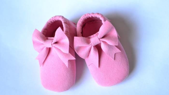 scambio di neonate allatta per 2 giorni la bimba che non e sua