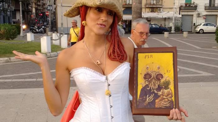 piazza negata ai pirati la pastefice al sindaco discriminati