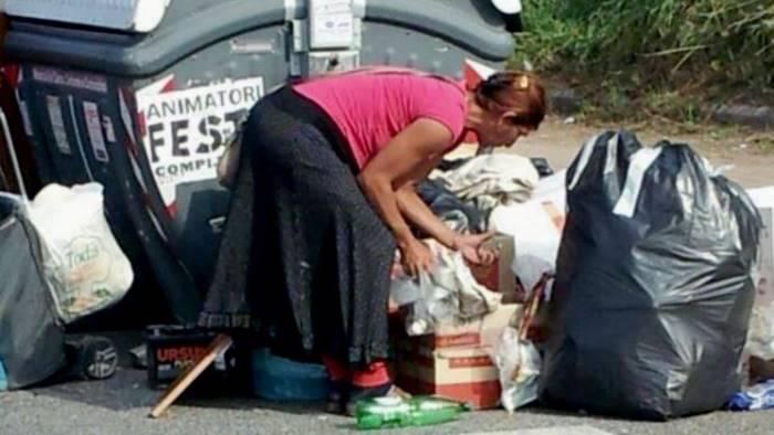 asse mediano fioccano i mercatini della monnezza dei rom