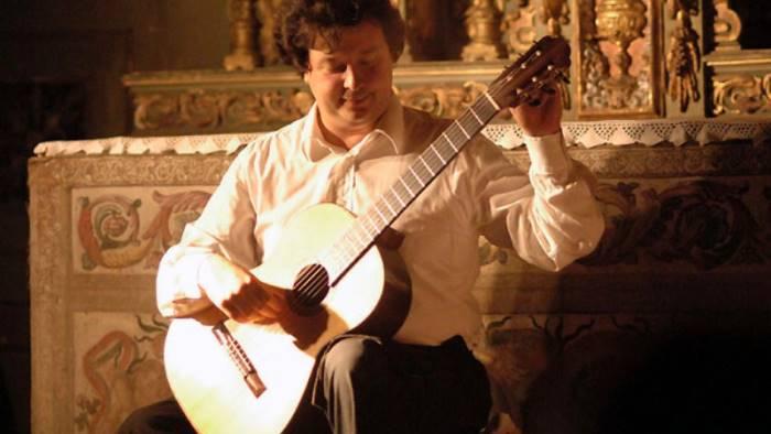 segre tra i piu virtuosi chitarristi al mondo a maddaloni