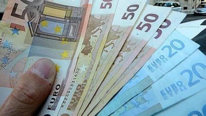 riciclaggio fermati con 20mila euro addosso soldi restituiti