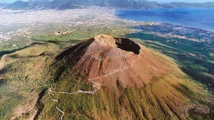 vesuvio quarantuno scosse intorno al cratere