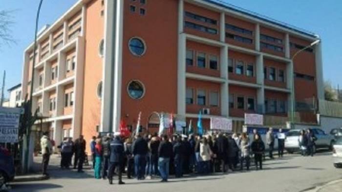 cmr i sindacati chiedono l intervento del prefetto