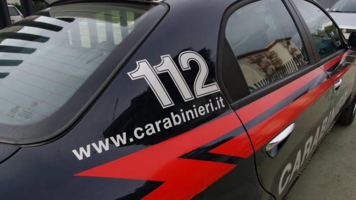 frattamaggiore armati in auto arrestati dai carabinieri