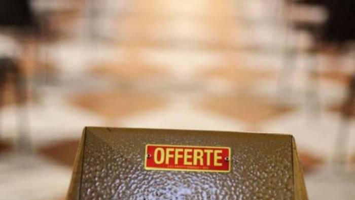 sorpreso a rubare le offerte dei fedeli in chiesa arrestato
