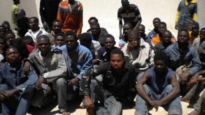 maxi truffa sui migranti arresti e denunce