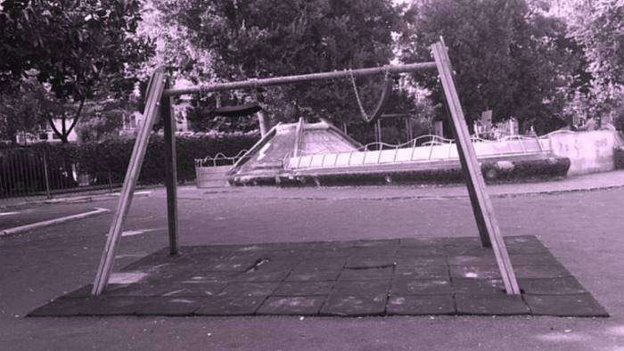 napoli parco mascagna giostrine ancora rotte
